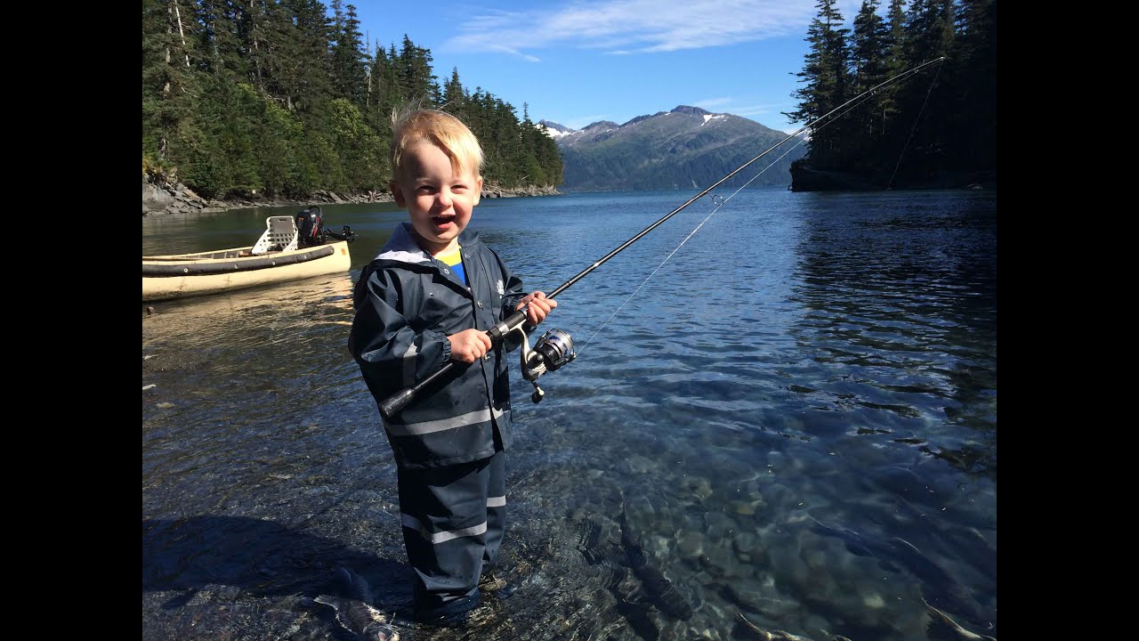 CUTE & FUNNY! 2 yr old fishing and catching salmon ...