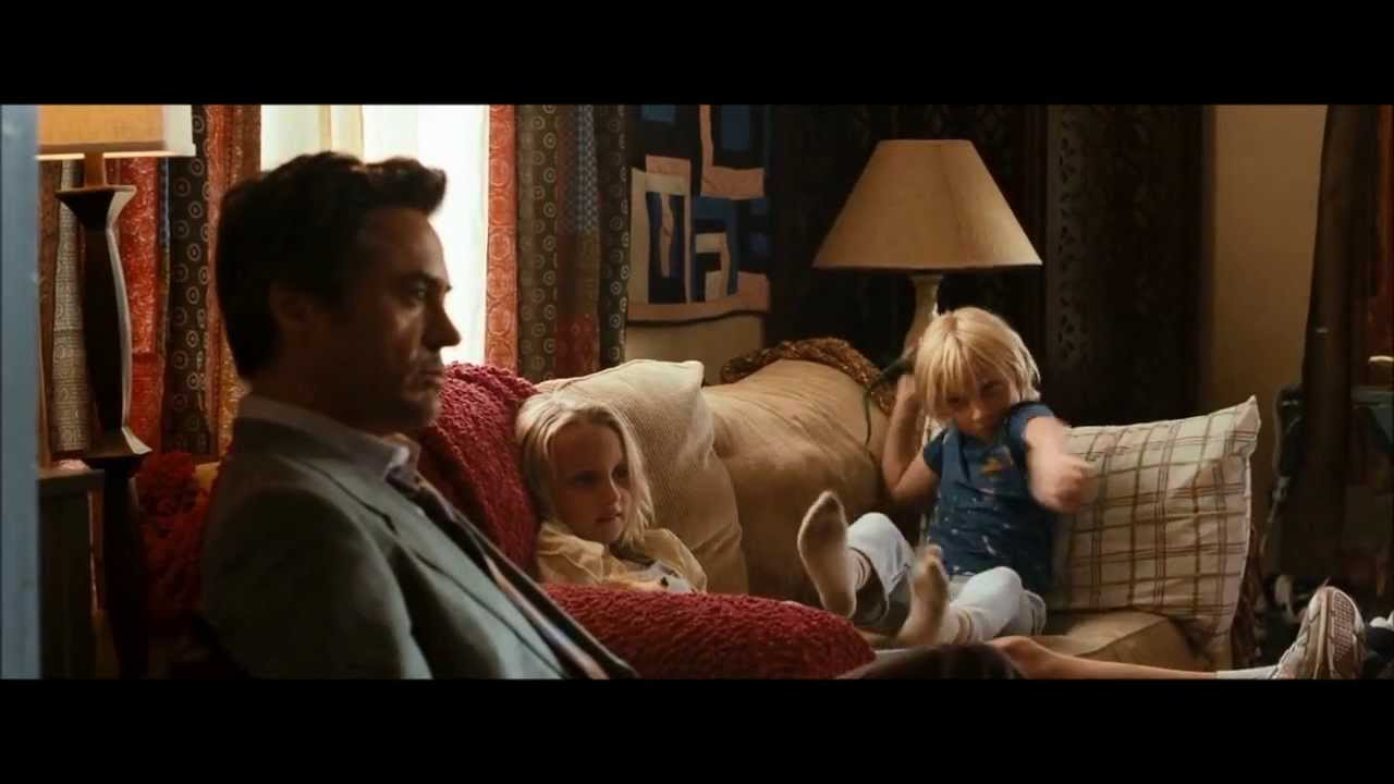 Due Date 2010 Peter And The Kids Scenes Youtube