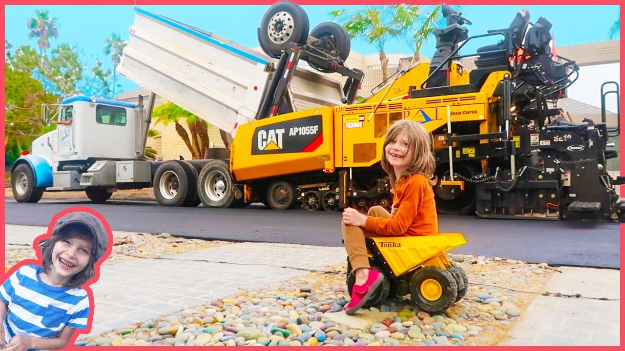 Construction Trucks Working | Dump Truck, Steam Roller and ...
