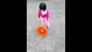 20160110小歡歡玩球 thumbnail
