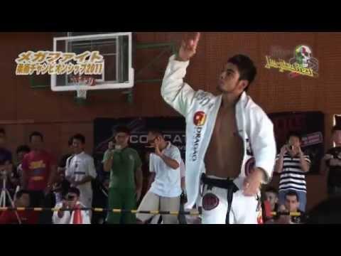 Roberto Satoshi Souza - Flying Attacks & Guard Highlight [HELLO JAPAN]