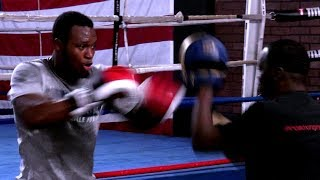 Viddal Riley (KSI trainer) training with Jeff Mayweather in the USA