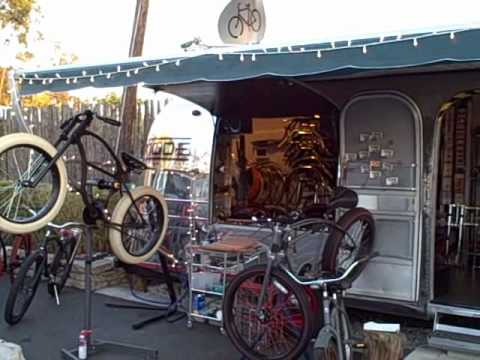 cool custom bike shop in airstream trailer wmv youtube. Black Bedroom Furniture Sets. Home Design Ideas