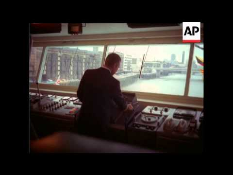 THE TOWER BRIDGE - COLOUR - NO SOUND