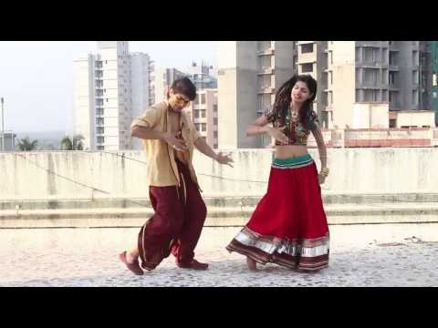 Thumbnail: Badri Ki Dulhania Dance I Brother and sister dance together