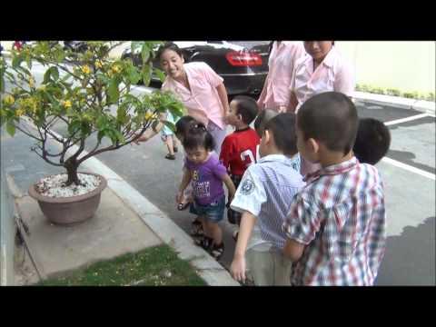 Myoko Kindergarten 173 Xuan Thuy, Cau Giay, Ha Noi - Hoạt động ngoài trời của bé