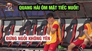 Quang Hải ôm mặt tiếc nuối vì không thể thi đấu, đứng ngồi không yên cổ vũ U22 Việt Nam đá Thái Lan