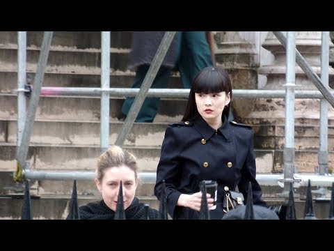 Kozue Akimoto 秋元 梢 - Givenchy fashion show in Paris - March 4th 2018