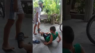 Khi trẻ trâu đánh nhau 5