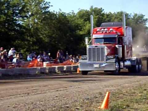 Truck pull Hustler, Wi. 2008
