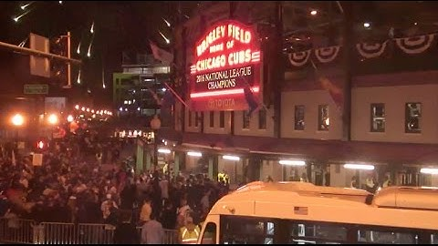 Chicago Cubs win the NL Pennant - Live Cam outside Wrigley Field - Chicago Skyline