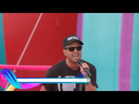 OneRepublic - Counting Stars + Rescue Me (Teen Choice Awards)