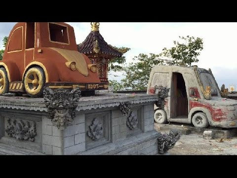car-temple-nusa-penida-bali