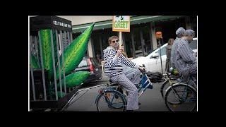Смотреть видео Власти Санкт-Петербурга разрешили провести