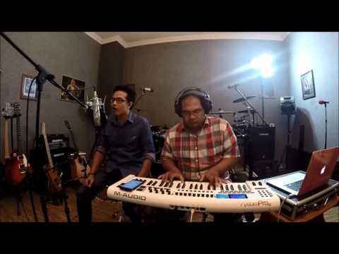ROMANSA CINTA- SAMSONS cover by TEYE feat. JONATHAN FREDDY