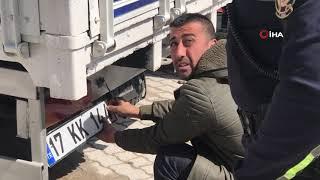 kiz-plakal-kamyonetler-yan-yana-yakaland