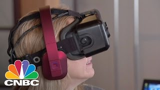 Google Pushes Deeper Into VR World  Tech Bet  CNBC