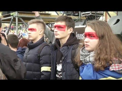 Проблемы Украины: Донбасс и формула Штайнмайера. Кто же шумит на улицах Киева?