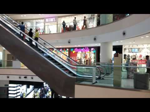 DLF mall of India... mkm