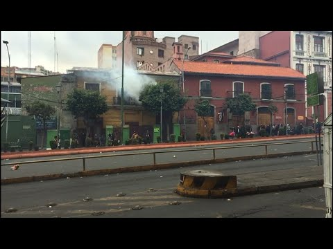 AFP news agency: Clashes between police and demonstrators in Bolivia's La Paz | AFP