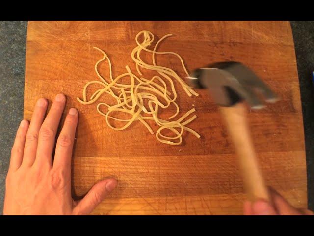 Break-up Pasta - Aglio E Olio - You Suck at Cooking (episode 14)