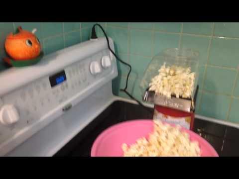 Cuisinart EasyPop Series 1500 Watts Hot Air Popcorn Maker R