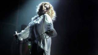 Hairy Trees - Goldfrapp (Live Universal Hall Berlin, 2003).wmv