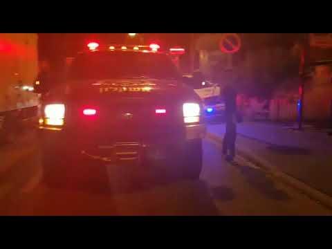 זירת נפילת רקטה ושריפה בבניין באשקלון