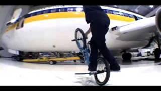 Terry-Adams-Airplane-Hangar