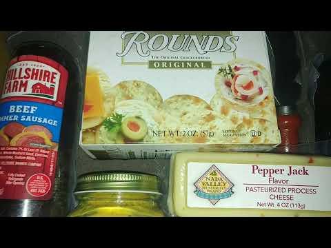 hillshire-farm-meat-&-cheese-gift-set