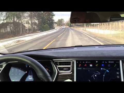 Usando el Autopilot de Tesla en carreteras secundarias