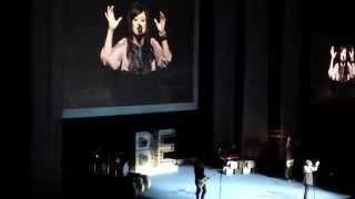 Kari Jobe Opening song at Women of Faith