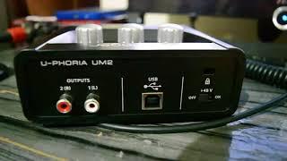 Placa de Audio Behringer U-Phoria UM2