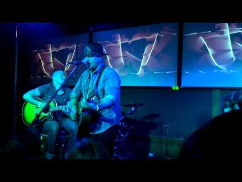 Showbaby...acoustic Sarah.. chris hills last show.