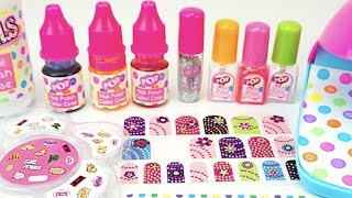 Открываем детский игровой набор для маникюра