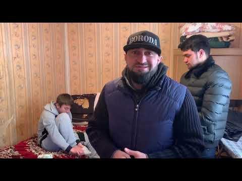 Рамзан Кадыров оказал материальную помощь сироте-инвалиду из Дагестана