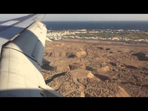 Смотреть Посадка самолета в Шарм эль Шейхе при сильном боковом ветре Октябрь 2014 г.2015 онлайн
