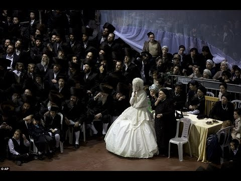 Ultra Orthodox Jewish Wedding In Israel Sees THOUSANDS Of Guests Gather Together!!!