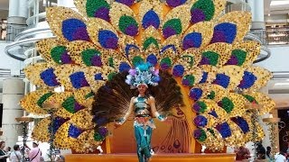 2013 Diwali Cultural Performance @ Suria KLCC #3 peacock dance (4K video)
