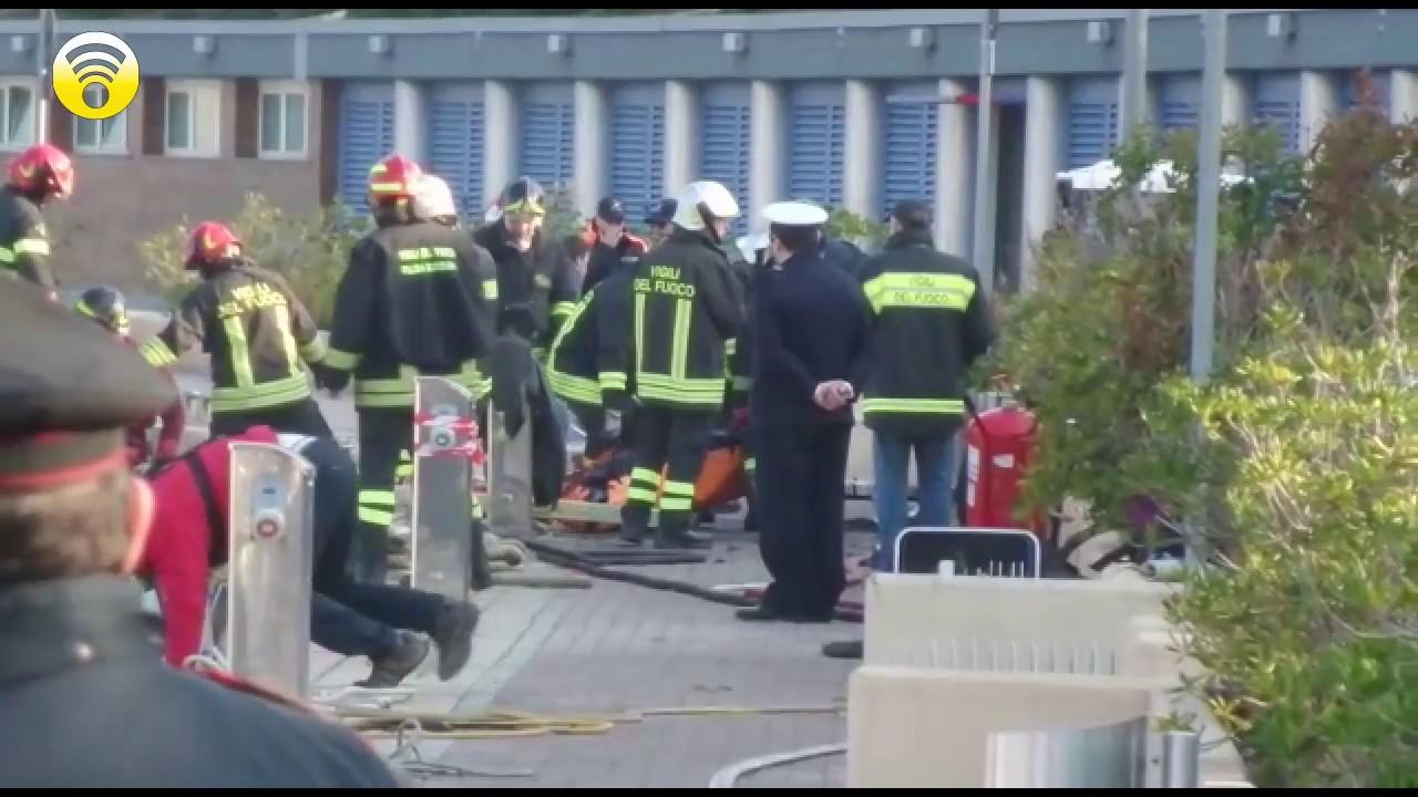 Incendio di uno yacht alla Marina di Loano (aggiornamento): video #1