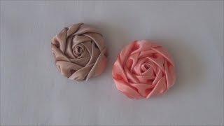 Rosa de cetim para diversas aplicações e customização