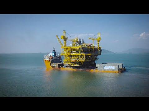 Heera HRD topside transport & float-over