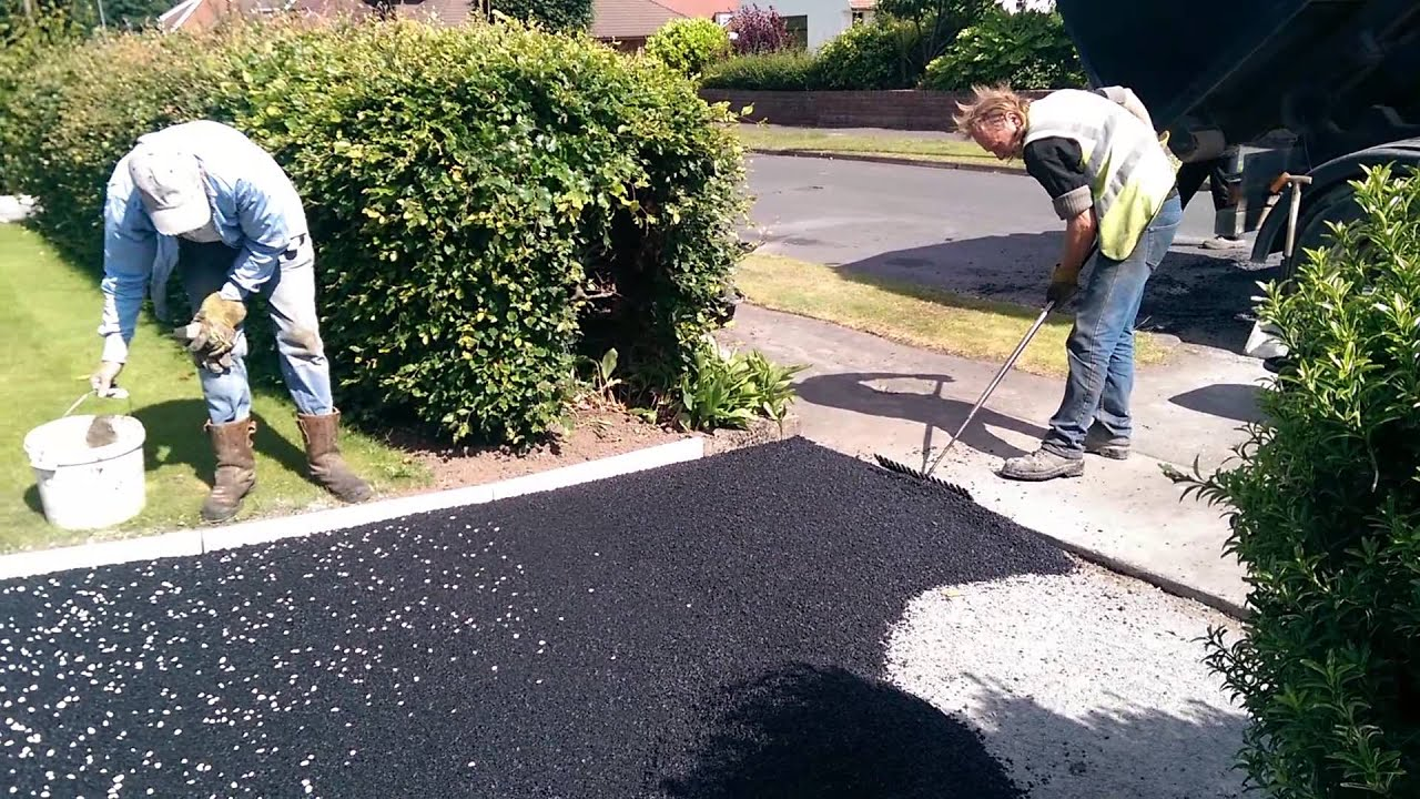 Hand lay tarmac driveway by gavin lawrie surfacing ltd youtube solutioingenieria Image collections
