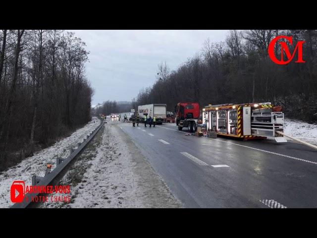 un pompier tué et un autre grièvement blessé dans un accident avec un camion, à cause du verglas