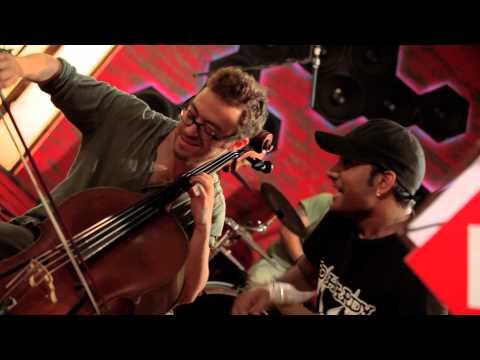 Chaddh De BTM (5-min) - Clinton Cerejo feat Master Saleem, Coke Studio @ MTV Season 2