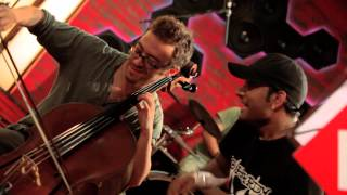 Chaddh De BTM (5-min) - Clinton Cerejo feat Master Saleem, Coke Studio @ MTV Season 2