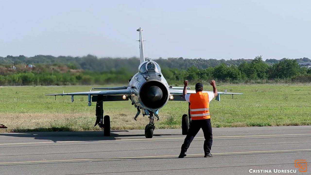 BIAS 2019 MiG 21 LanceR evolutie dimineata *pornire motor, taxi si evolutie completa* #mig21lancer
