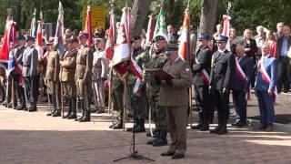 Apel z udzia�em wojska i apel smole�ski w Ostro��ce