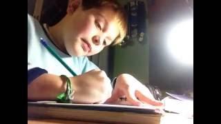 Como desenhar um prisma de base triangular