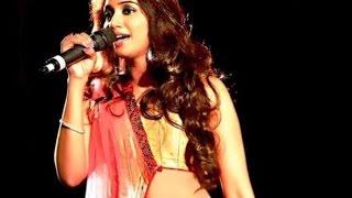 Ekla Cholo Re Kahaani Shreya Ghoshal Amitabh Bachchan Bengali Song Live Concert